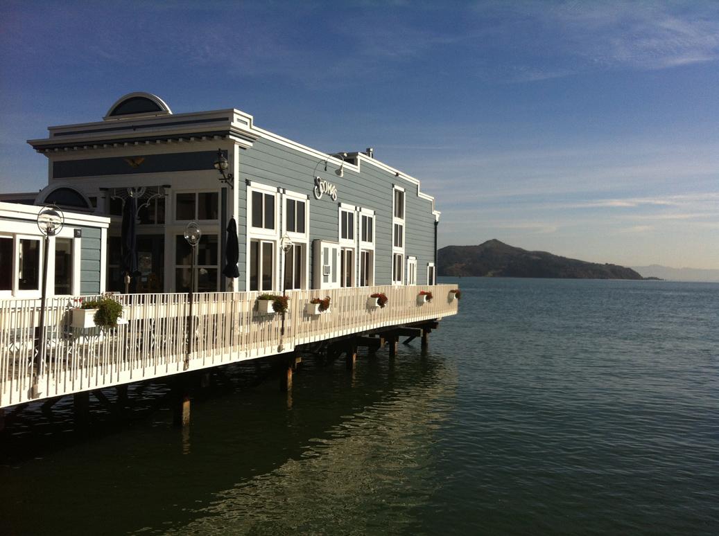 Une des maisons flottantes de la ville.